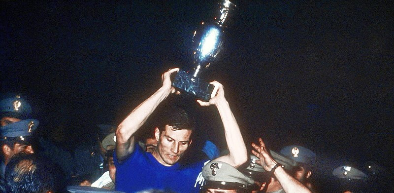 euro 1968 winners italy captain with trophy